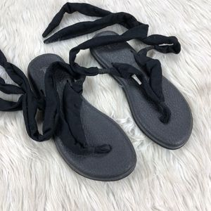 Sanuk Black Yoga Slinged Up Sandal